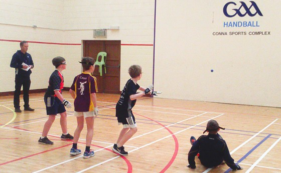 Raidhse Cluiche, Conna i gCo. Chorcaí/ Handball Blitz, Conna, Co. Cork
