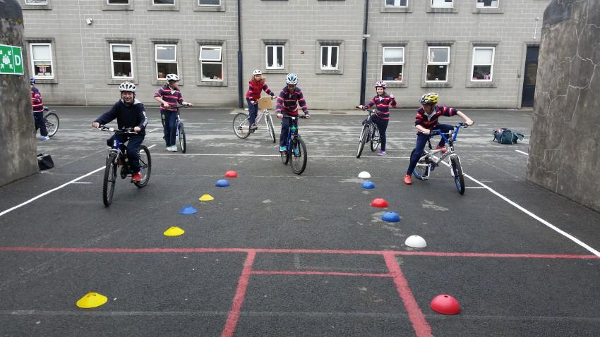Sábháilteacht Rothar/ Cycling Safety
