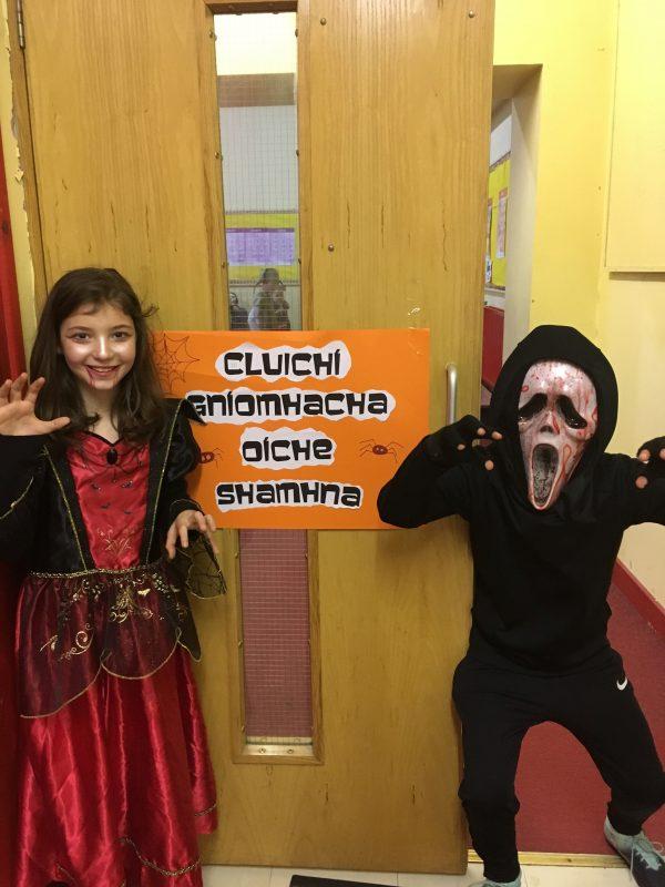 Cluichí Gníomhacha Oíche Shamhna/ Active Halloween Games